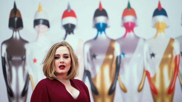 cantante, carta di credito, Adele, Sicilia, Società
