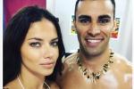 A Rio Adriana Lima cede al fascino del portabandiera: il selfie è virale
