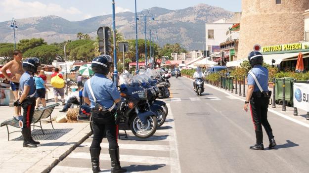 mondello, rapina, Palermo, Cronaca
