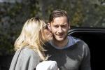"""Totti, la moglie Ilary Blasi contro Spalletti: """"E' un piccolo uomo"""""""