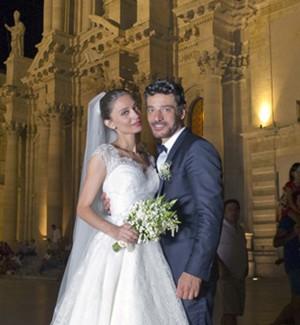 Margareth Madè e Giuseppe Zeno sposi a Ortigia: le foto del matrimonio