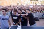 Autografi e foto ricordo: bagno di folla a Palermo per i Mates
