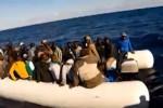 Sbarco a Punta Bianca, migranti si dileguano nel nulla: scattano le ricerche