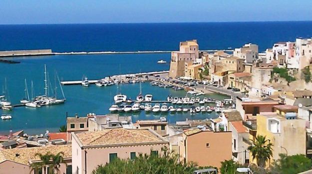 cantiere, castellammare del golfo, porto, Trapani, Economia