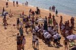 Vista sulla Scala dei Turchi, a Realmonte festa in spiaggia per San Calogero - Video