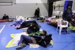 Tendopoli e ricerche senza sosta, le foto della notte dopo il sisma