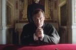 """Tutto pronto per il debutto in tv: negli Usa scoppia la """"Young Pope"""" mania"""