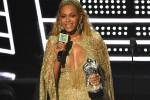 Rihanna e Beyoncé regine degli Mtv Awards, grande ritorno per Britney Spears - Foto