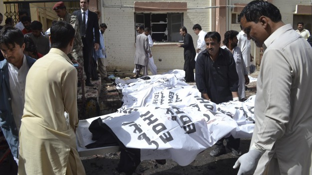 bomba in ospedale in pakistan, Pakistan, Sicilia, Mondo