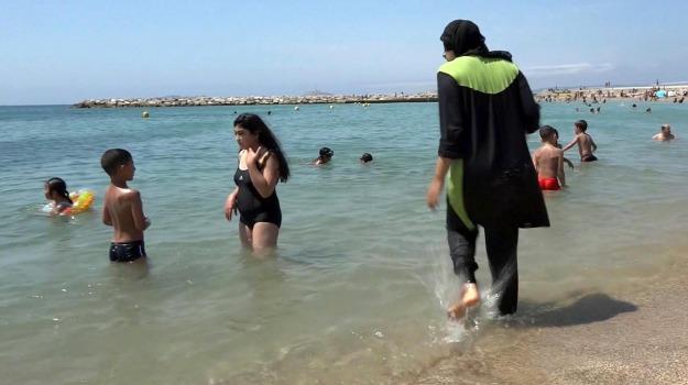 burkini, cannes, francia, Sicilia, L'Isis, lo scettro del Califfo, Mondo