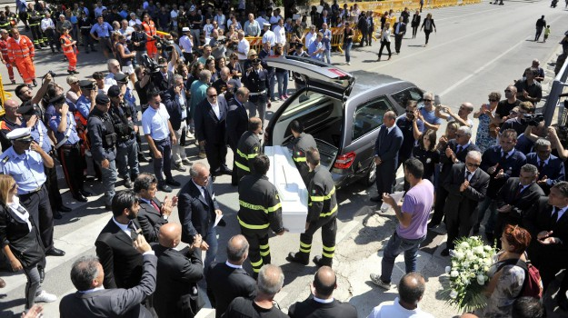 funerali, sisma, terremoto, Sicilia, Cronaca