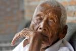 Indonesiano l'uomo più anziano del mondo, Mbah Gotho ha 145 anni - Foto