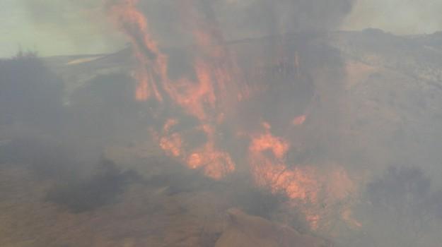 antincendio, operatori, STIPENDI, Palermo, Economia