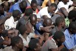 Migranti, è emergenza a Lampedusa In mille arrivati al porto di Palermo