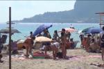 Ultimi giorni di ferie per i palermitani, Mondello presa d'assalto - Video