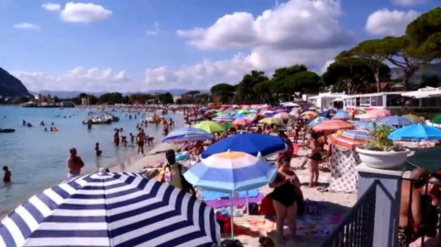 barche mondello, spiaggia mondello, Palermo, Cronaca