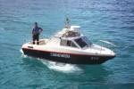 I carabinieri salvano una famiglia a bordo di una barca
