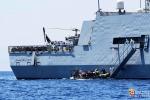 Salvati 550 migranti nel Mediterraneo, trovati due cadaveri