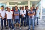 Raffineria di Gela, le mogli degli ex operai: «Date un futuro ai nostri uomini»