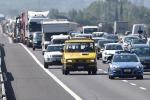 Inizia il grande esodo estivo, week-end da bollino nero sulle autostrade