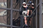 Tenta scalata della Trump Tower, polizia ferma ragazzo a New York - Video