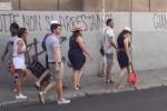 Boom di turisti al porto di Palermo, le immagini di alcune comitive - Video