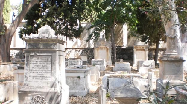 Cimitero, rifiuti, Sciacca, Agrigento, Politica