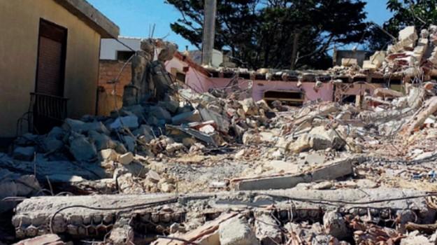 abusivismo edilizio, demolizioni, licata, Agrigento, Cronaca