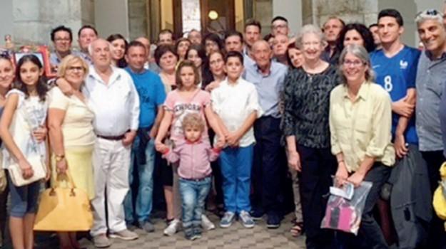 famiglia, nicosia, Enna, Società