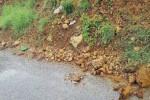 Messina, frana il costone a San Filippo: pericoli per gli automobilisti