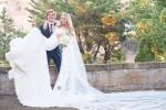 Abito di merletto e festa fino all'alba: sui social le foto del matrimonio di Martina Stella