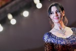 Monica Bellucci, sul red carpet con un collier... milionario: le foto