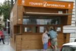 Informazioni ai turisti ridotte nei weekend: mancano i fondi, chiusi 3 gazebo su sei a Palermo
