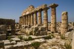 Dal vino primi fondi per i templi di Selinunte: l'investimento della cantina Settesoli
