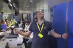 """""""Andiamo a lavorare"""", la parodia dei dipendenti postali di Napoli è virale"""