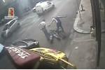 Assalto al furgone di sigarette a Palermo, nel video l'arresto dei 2 banditi: caccia agli altri 4