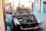 """Notte """"infuocata"""" a Riesi, incendiate due auto: partite le indagini"""