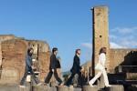 Da Abbey Road a Pompei, l'omaggio ai Beatles diventa virale: ecco la foto