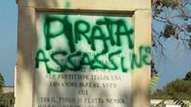 vandalizzata statua garibaldi a Marsala, Trapani, Cronaca