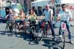 Nella Ztl e al Lungomare Liberato i catanesi in sella alle bici elettriche