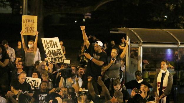 Charlotte, scontri polizia, Stati Uniti, Sicilia, Mondo