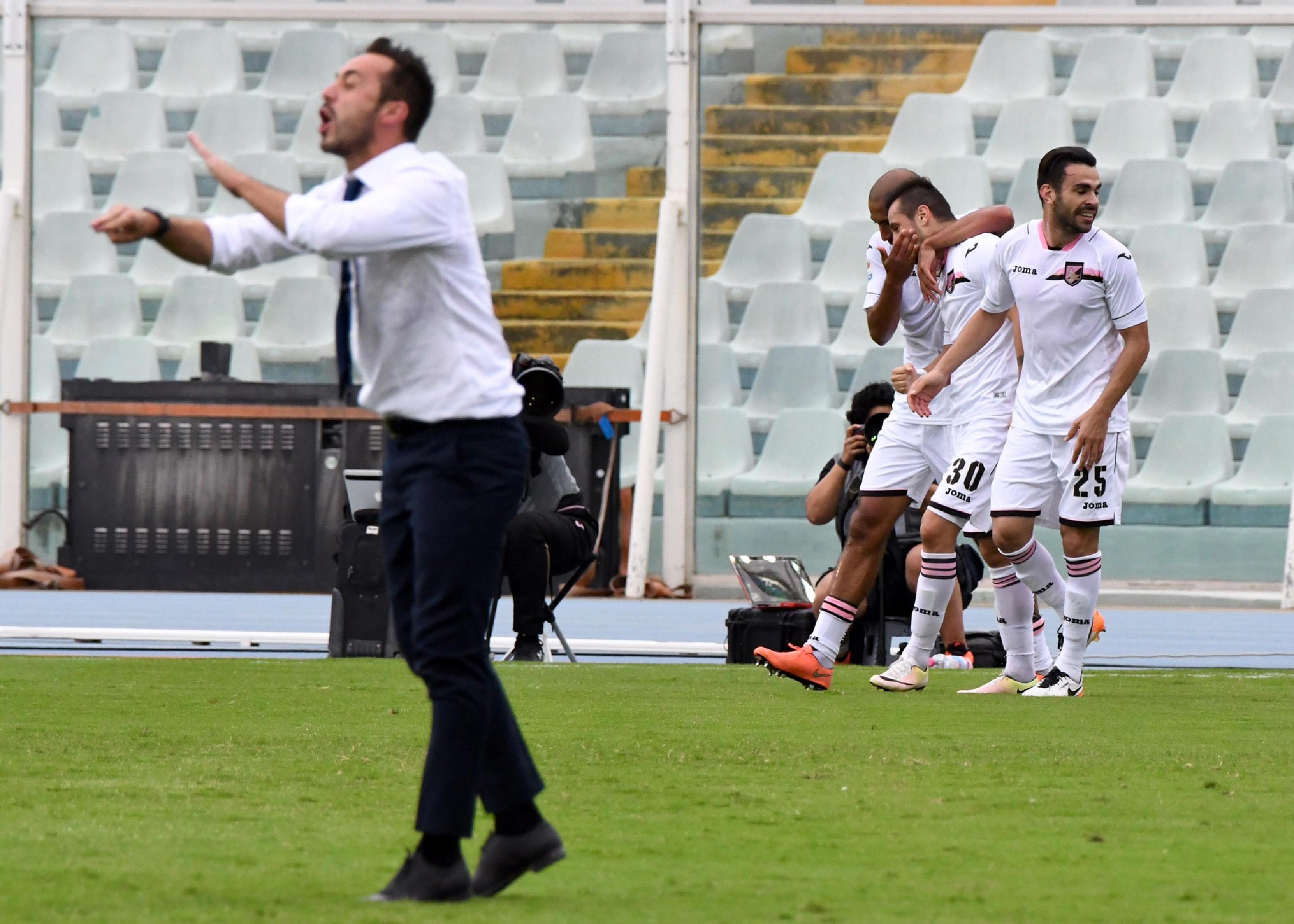 Palermo Calcio Calendario.Calendario Di Fuoco Per Il Palermo A Bergamo Turno Di