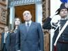 Nuova lite Berlusconi-Lario su assegno: