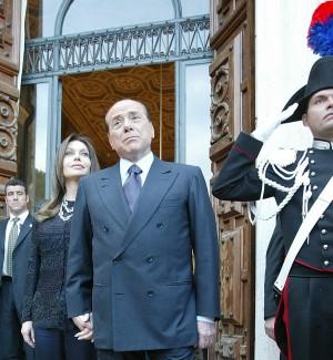 Divorzio Berlusconi-Lario, lei ricorre in Cassazione contro la revoca dell'assegno