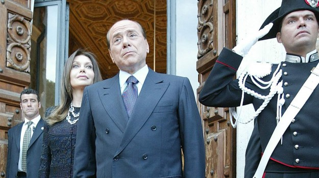 divorzio berlusconi-lario, Silvio Berlusconi, Veronica Lario, Sicilia, Cronaca