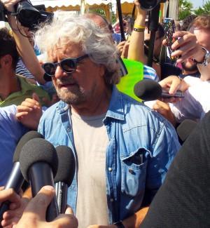 """M5S in 150 piazze siciliane: """"Programma con i cittadini"""". Cancelleri: mi candido ma sceglie il web"""