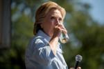 """Hillary si riprende: """"Polmonite? Non pensavo fosse un problema"""""""