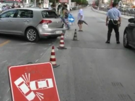 Legno Naturale Viale Regione Siciliana Palermo : Palermo scontro fra auto e un tir in viale regione traffico in