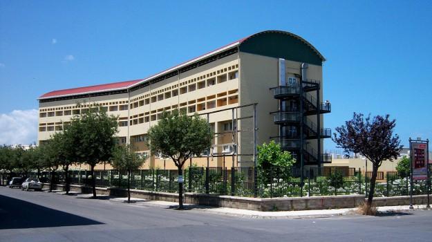 sanità, Messina, Economia