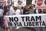 In corteo contro il tram in via Libertà Sfilata di protesta in centro a Palermo